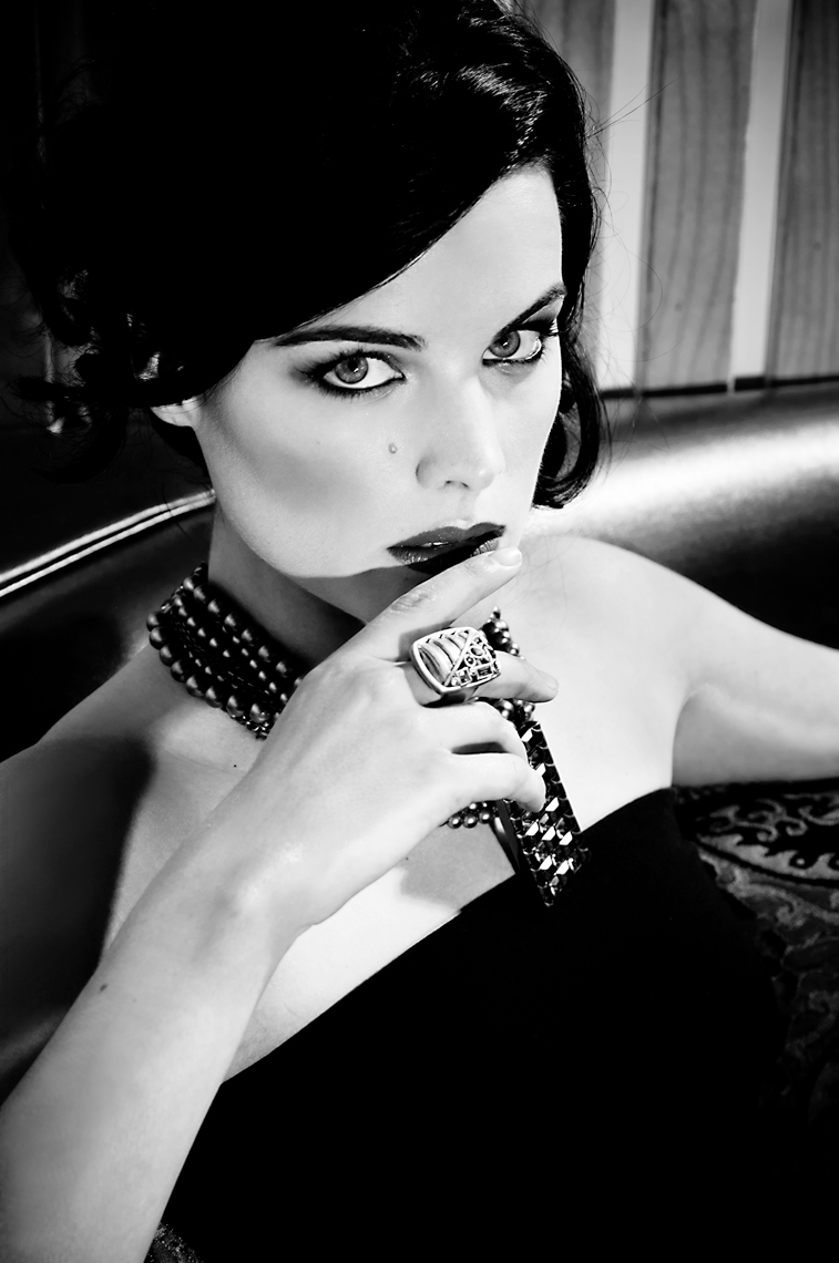Jaimie-Alexander-BW-closeTerenOddo2110For-Matt